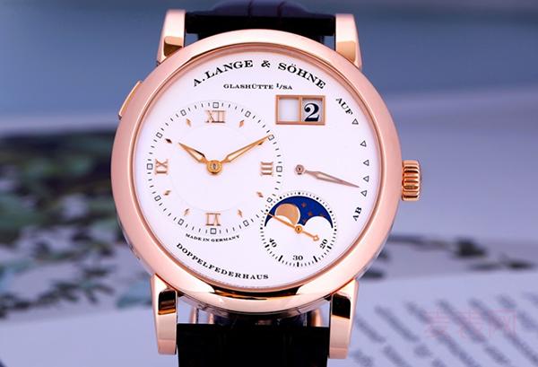 回收朗格LANGE 1二手手表价格一定高?要根据款式热度而定