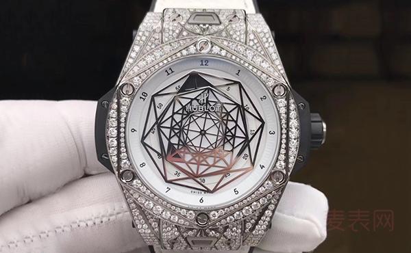 宇舶大爆炸系列刺青二手表回收价格居然这么高 一点也不亏
