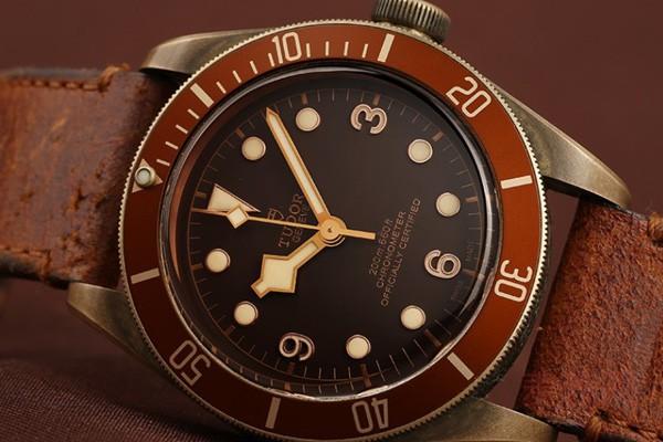 二手帝舵铜花碧湾手表回收7折轻松拿 古朴青铜显保值