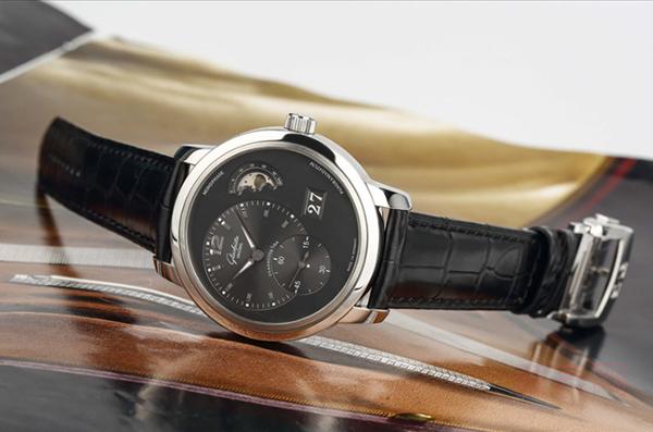 格拉苏蒂经典偏心二手手表回收价格如何?名表更容易保值?