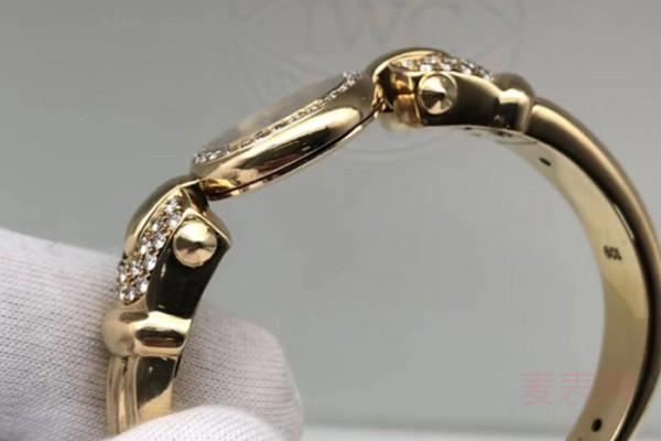 稀有手镯款名士名表回收行情好 黄金原钻材质受重视