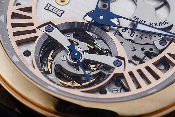 价值百万的手动机械陀飞轮萧邦L.U.C手表回收多少钱