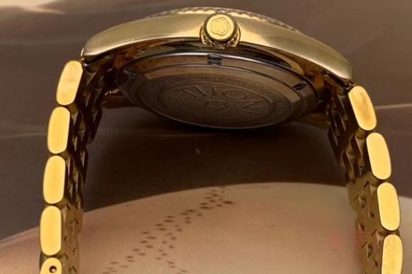 梅花二手手表能卖多少钱左右