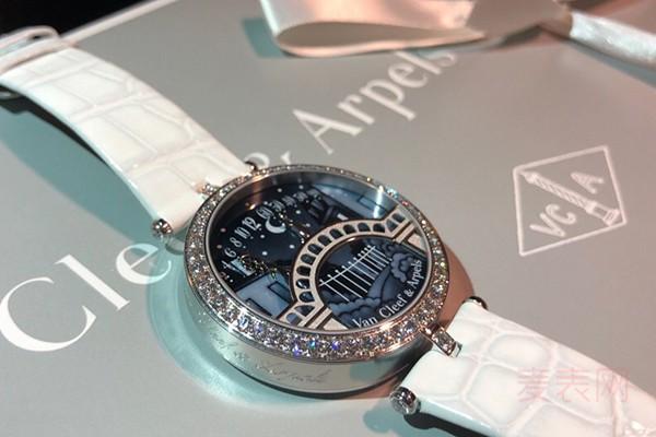 全新梵克雅宝手表能卖多少钱