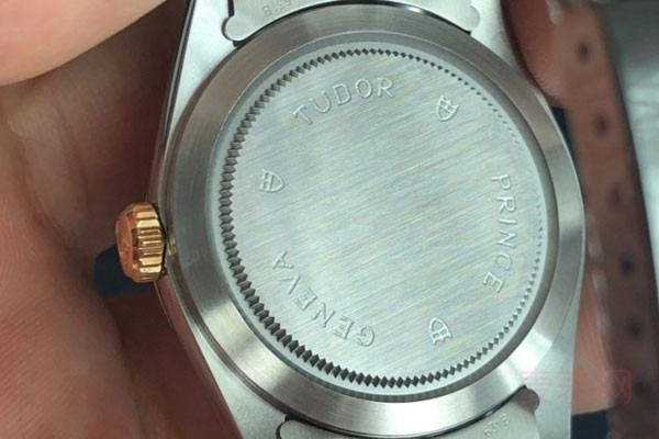想找专业的二手手表回收平台可以看这里