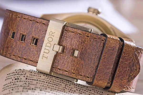 值得收藏的帝舵铜花手表回收价格怎么样