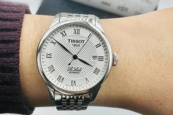 天梭力洛克手表回收大概多少钱