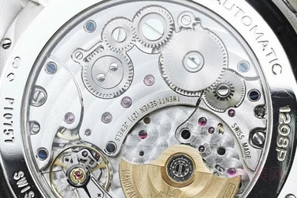 伯爵二手手表回收价格 上这里免费估价