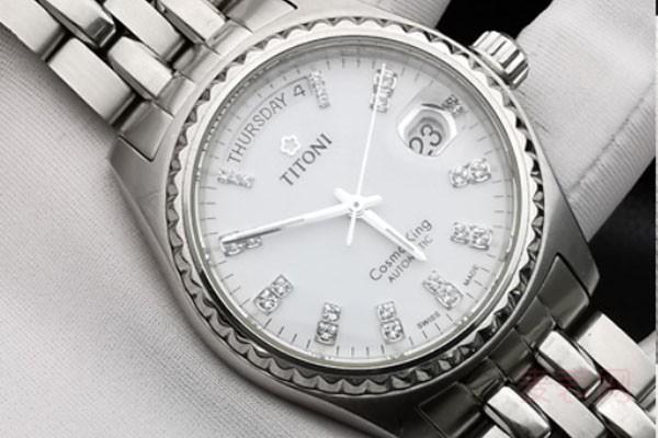 95年梅花手表多少钱可以回收