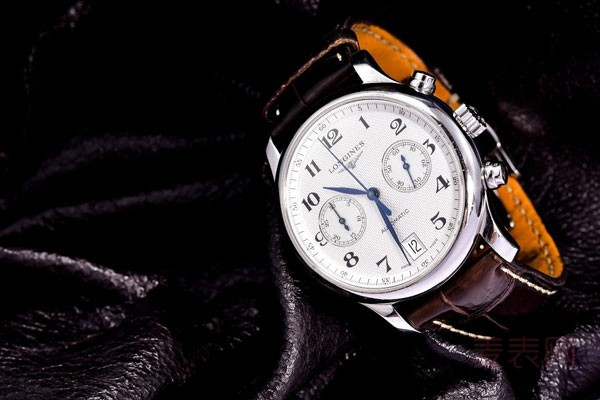 浪琴名匠手表回收大概多少钱比较划算
