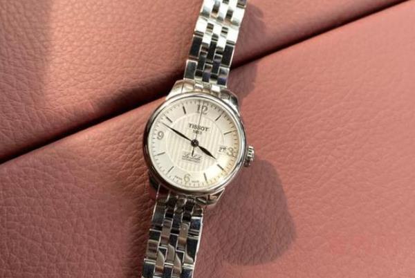 一般什么牌子手表回收才能更胜一筹