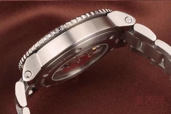 卖二手豪利时手表回收价格好查询么
