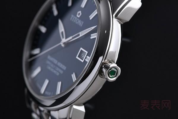 梅花手表用了一年能卖多少钱