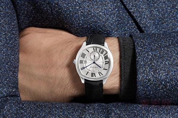 卡地亚手表99新可以卖多少钱 这里一键估价
