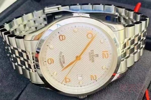 哪里有手表回收价格表 免费估价平台不宜错过