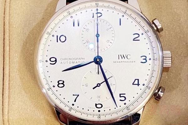 高颜值的二手万国葡计手表回收多少钱