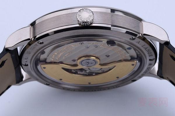 朗格大三针二手手表回收价格一般几折